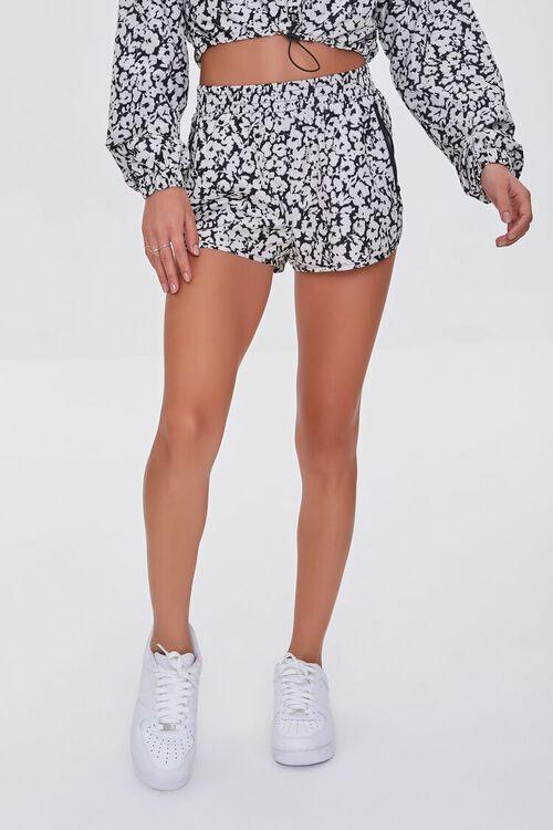 BLACK/WHITE Active Floral Print Shorts, image 2