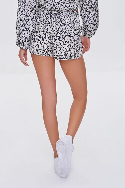BLACK/WHITE Active Floral Print Shorts, image 4