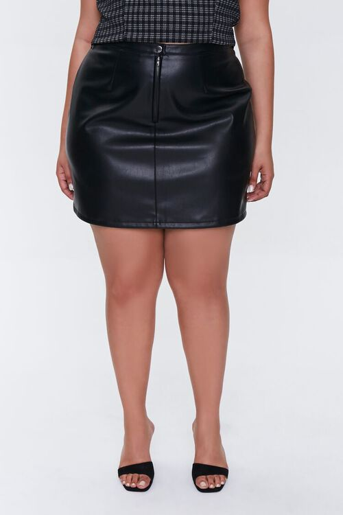 BLACK Plus Size Faux Leather Mini Skirt, image 2