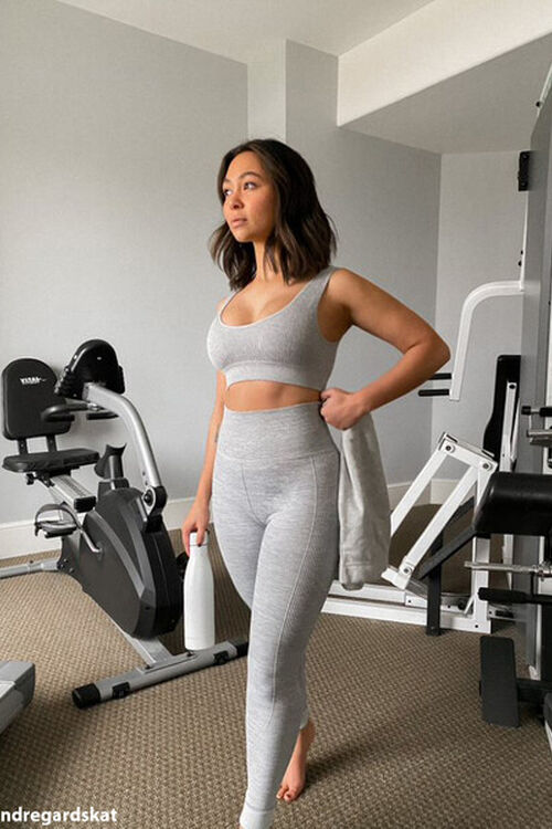 HEATHER GREY Active Seamless Ribbed Knit Sports Bra, image 1